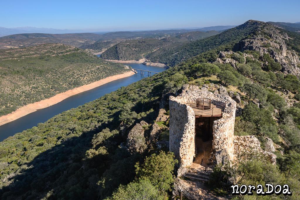 Parque Nacional de Monfragüe visto desde el castillo, Cáceres (España)