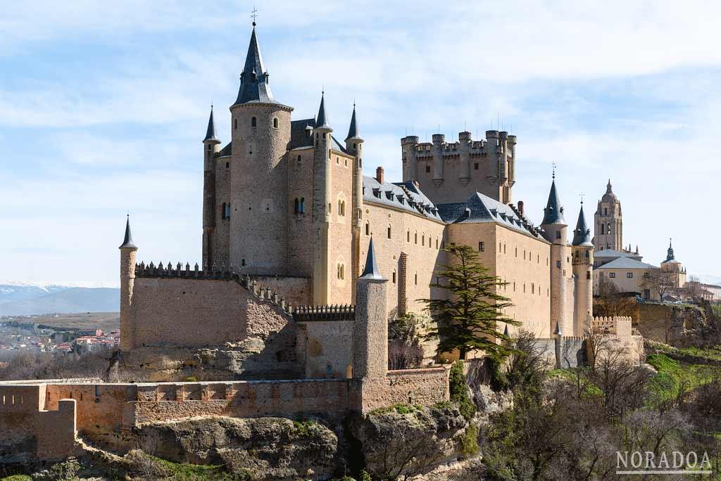 Alcázar de Segovia desde la ruta de los miradores