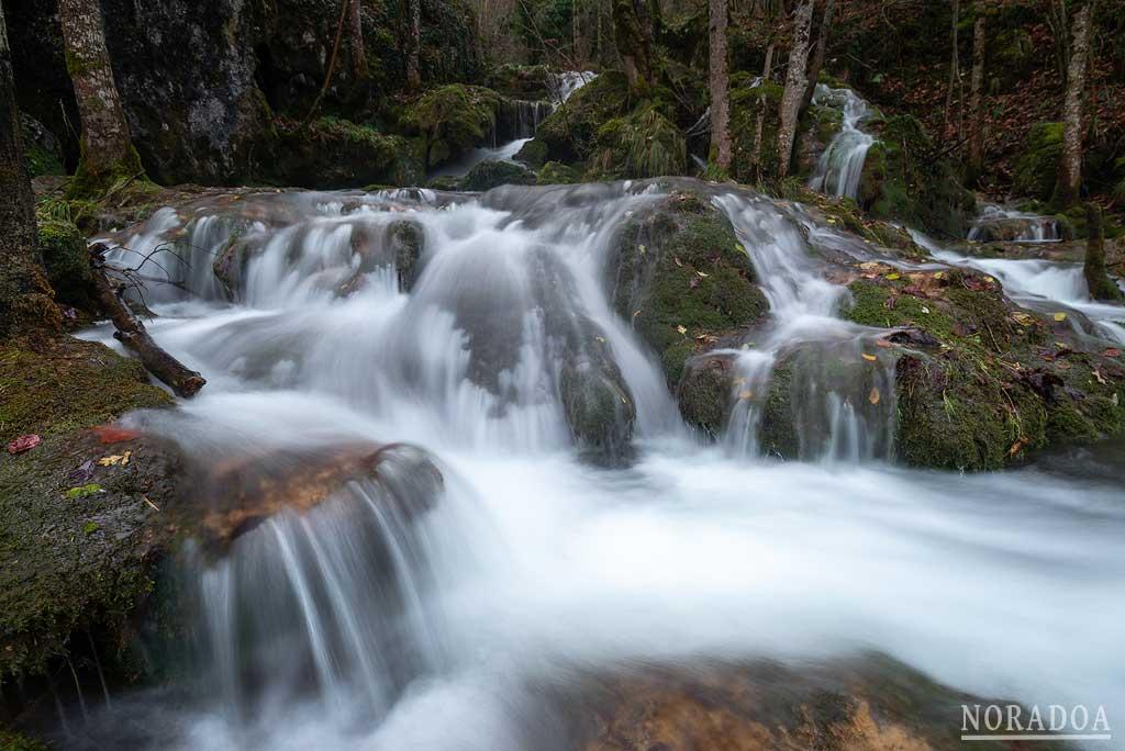 Cascadas de la Tobería en Andoin