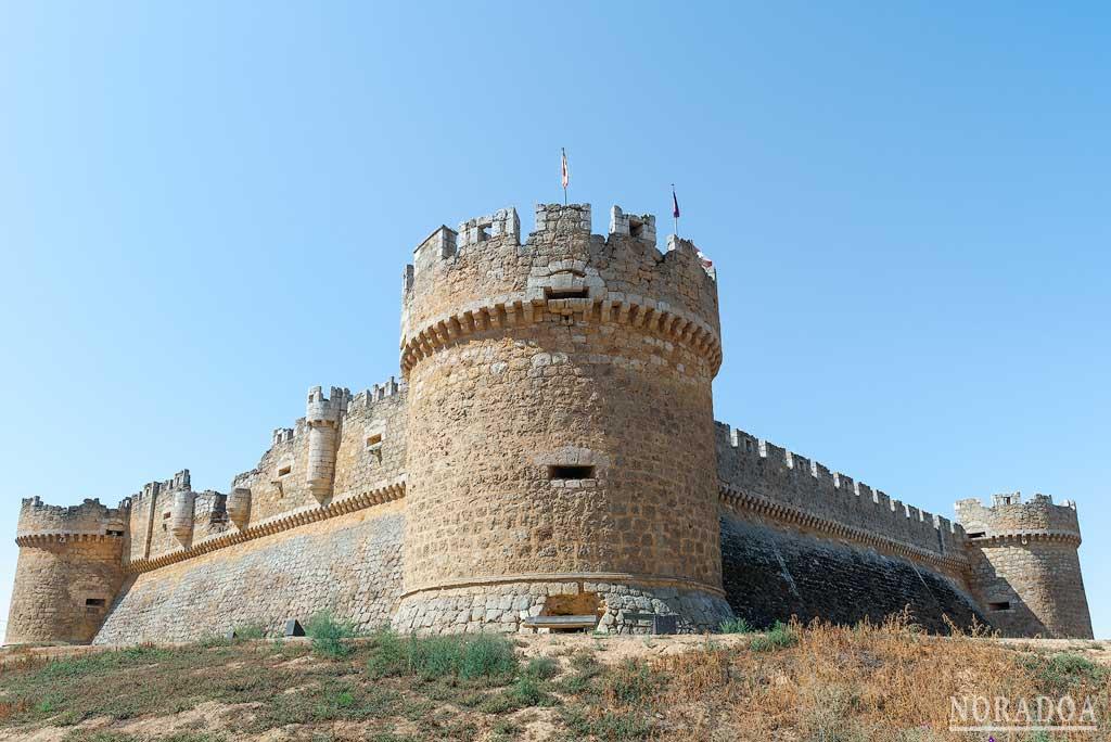 Castillo de Grajal de Campos, primer castillo artillero en España
