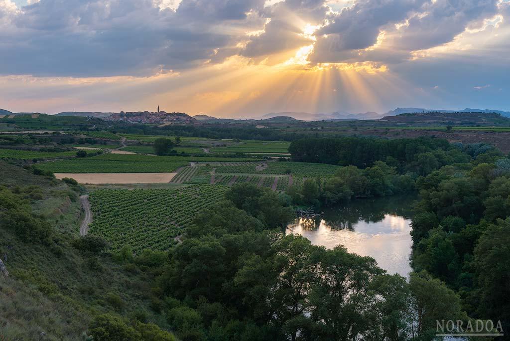 Río Ebro con Briones de fondo